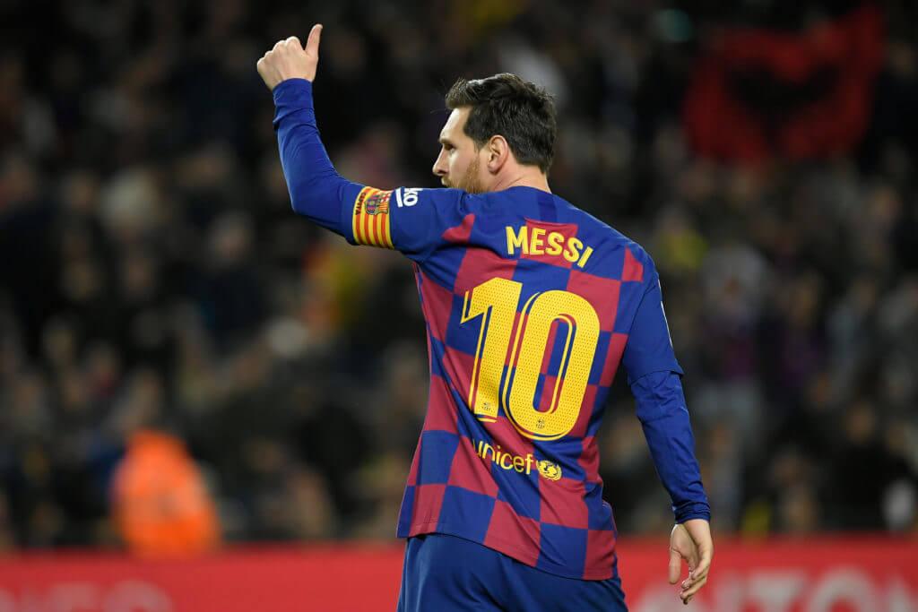 Messi - petas ner två snäpp på listan  och är nu bakom Federer och Ronaldo och är trea på listan Världens bäst betalda idrottare 2020.